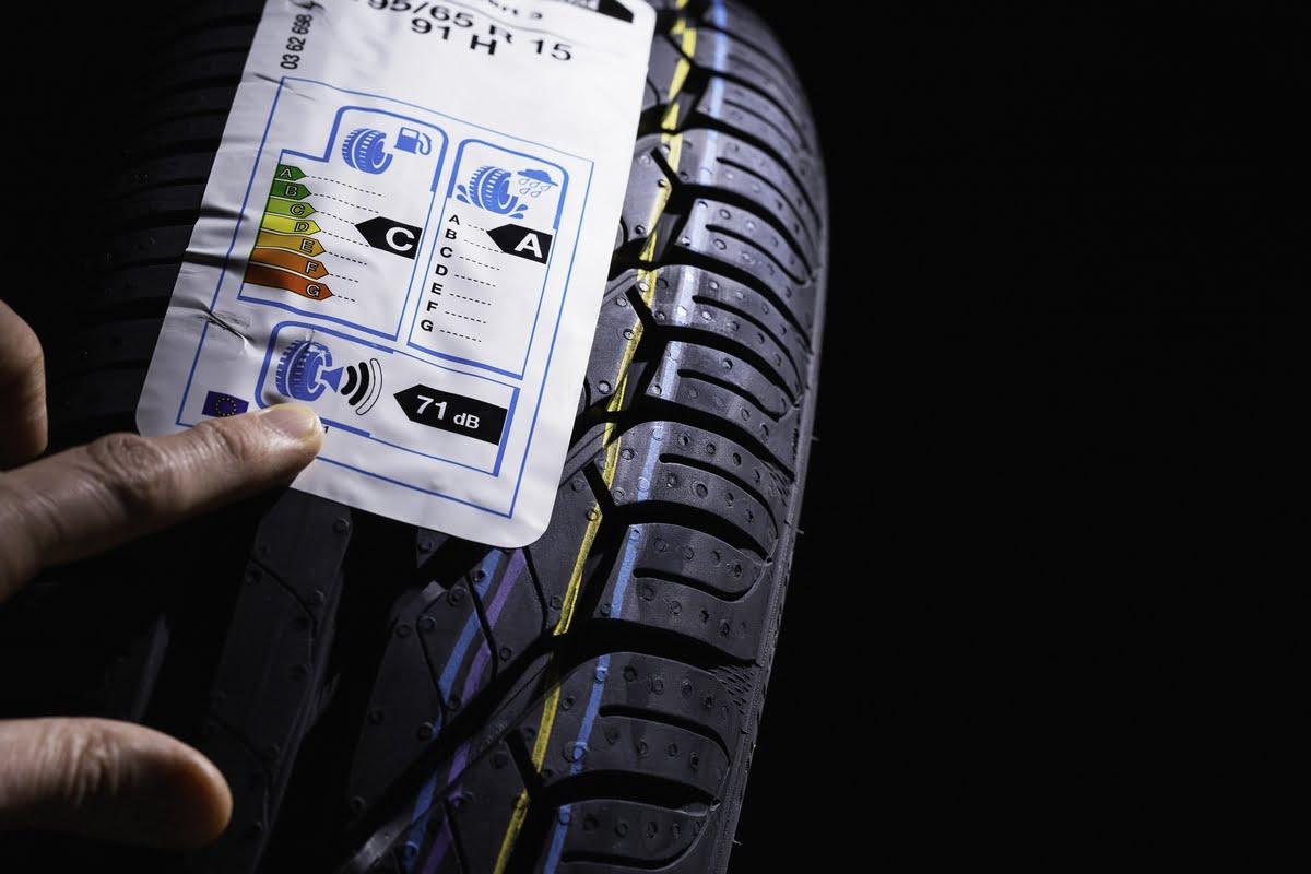 Etichette pneumatici